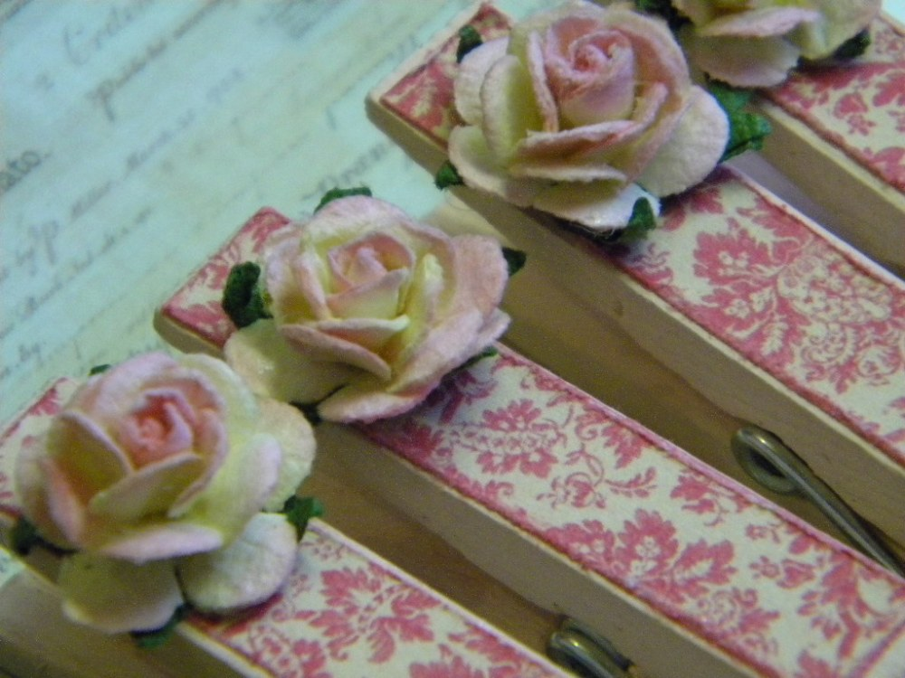 Shabby Chic Clothes Pins (3/3)