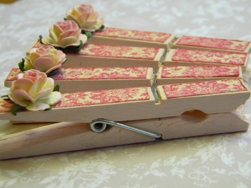 Shabby Chic Clothes Pins (2/3)