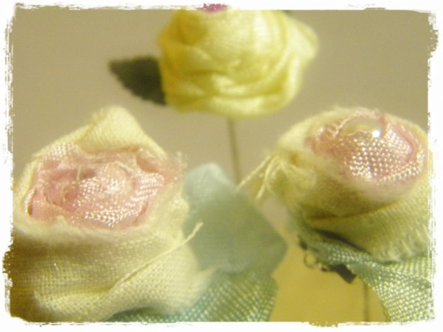 Shabby Rose Pins